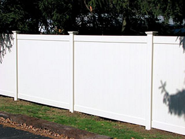 vinyl fencing for residential and commercial property